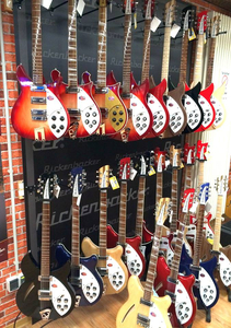 Rickenbacker Showroom bei Music World